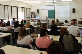 Construint cultura de cura en les professions socials. Carmina Puig