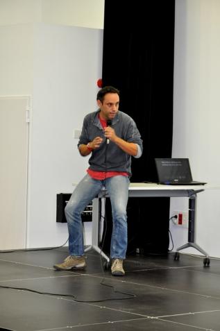 """Jordi Bernabeu. """"Qüestions ètiques al voltant de l'ús de les xarxes socials""""."""